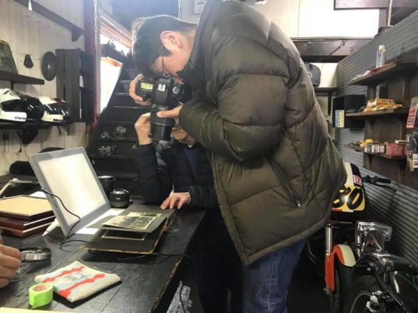広島市内の 中島飛行機関連資料ご提供者の仕事場で資料を複写&ヒアリング
